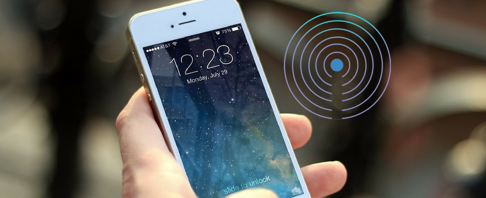 Playing with iBeacons: Supporting Them in Your Native Mobile App